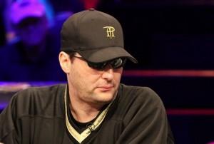 Phil Hellmut, cheapleader de la mesa final de las WSOPE de Cannes
